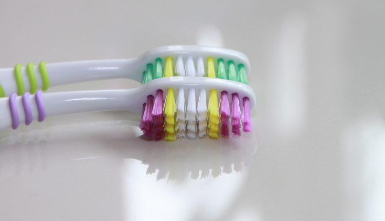 cariile-dentare